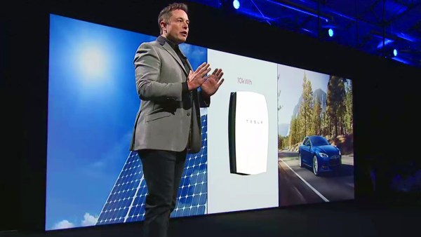 Elon Musk presenting Tesla's Powerwall