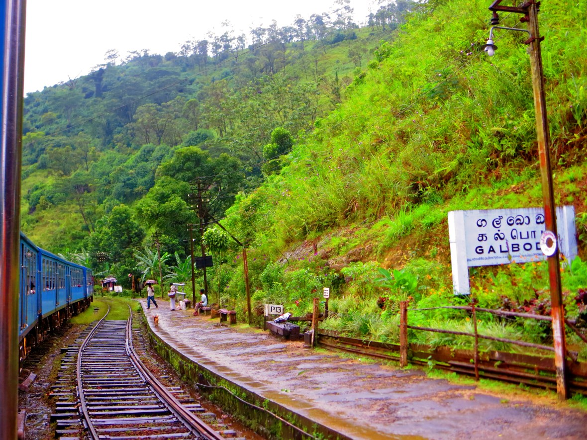 Sri Lanka train, Sri Lanka pictures, Kandy to Ella train