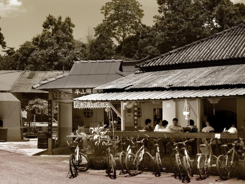 pulau ubin cycling, unusual things to do in singapore