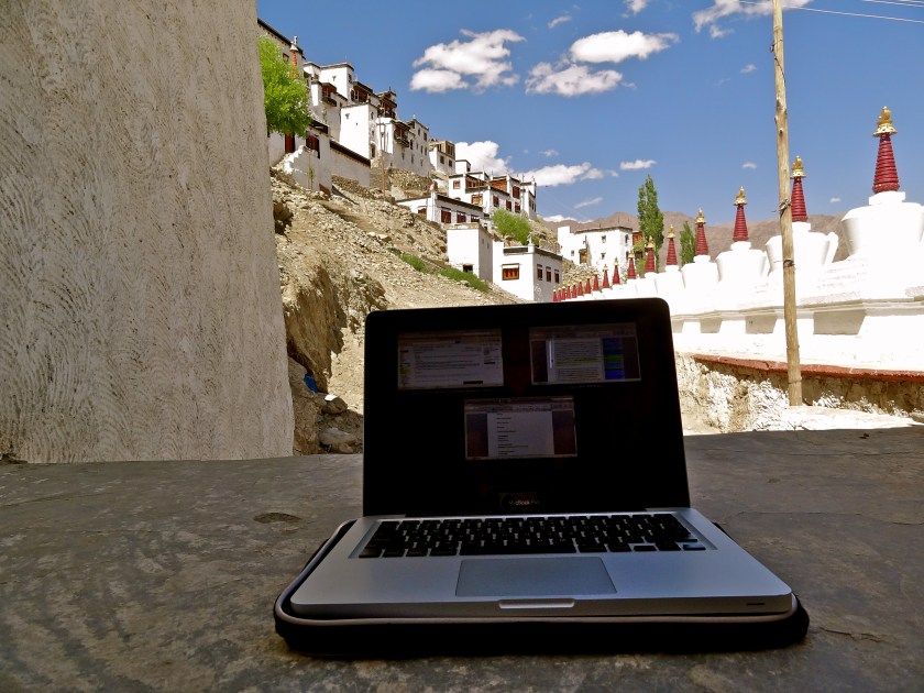 digital nomad, indian travel bloggers