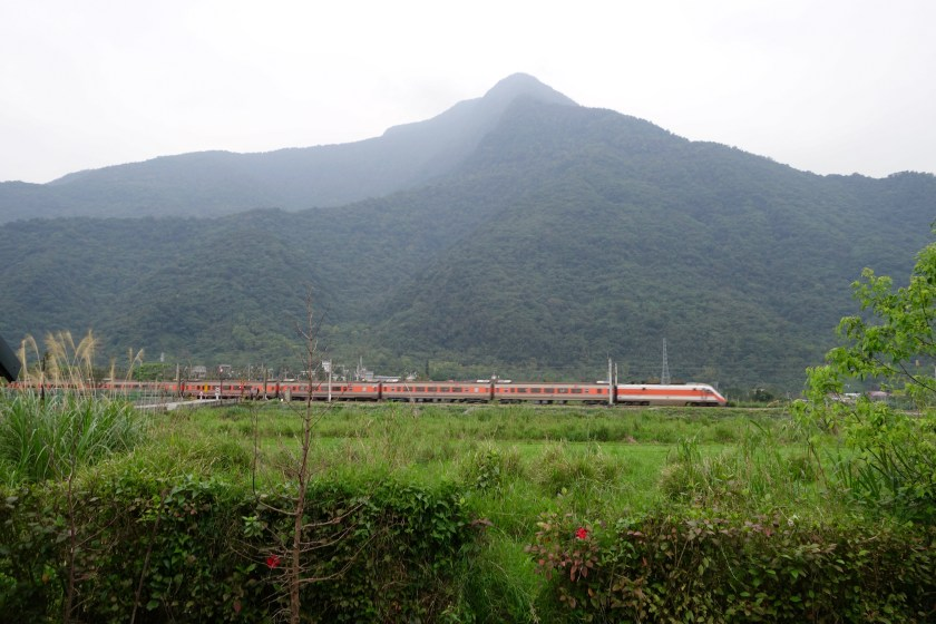 public transport taiwan, trains taiwan, train travel taiwan