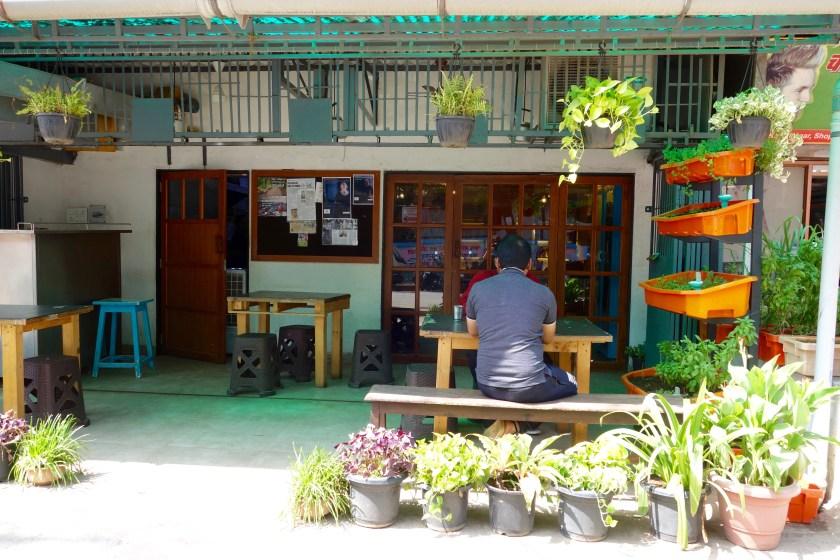 bombay to barcelona cafe, Amin mumbai, best cafes mumbai, places to chill in mumbai