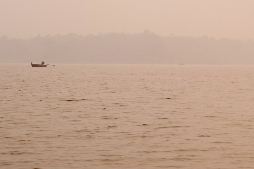 canoe safari, satpura madhya pradesh, national parks of india, denwa river
