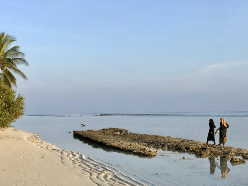local island maldives, maldives people, maldives travel blog, maldives sustainable tourism