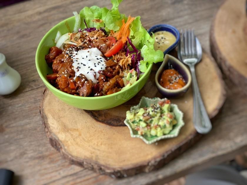 pure vegan heaven, vegan food chiang mai, best vegan restaurants chiang mai