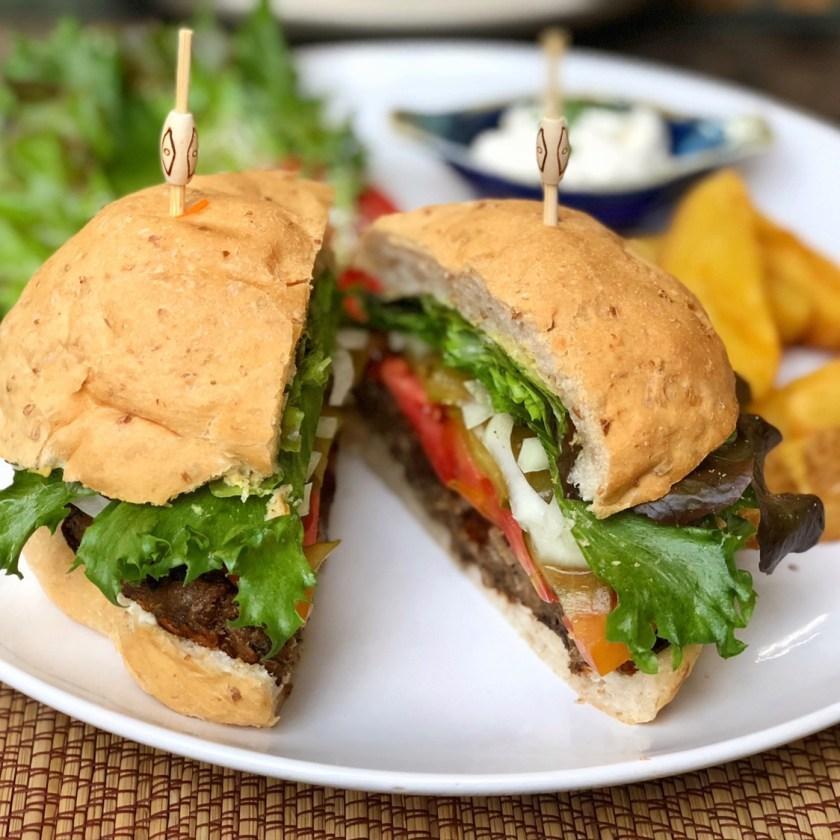 reform kafe, vegan burger chiang mai, best vegan restaurants chiang mai