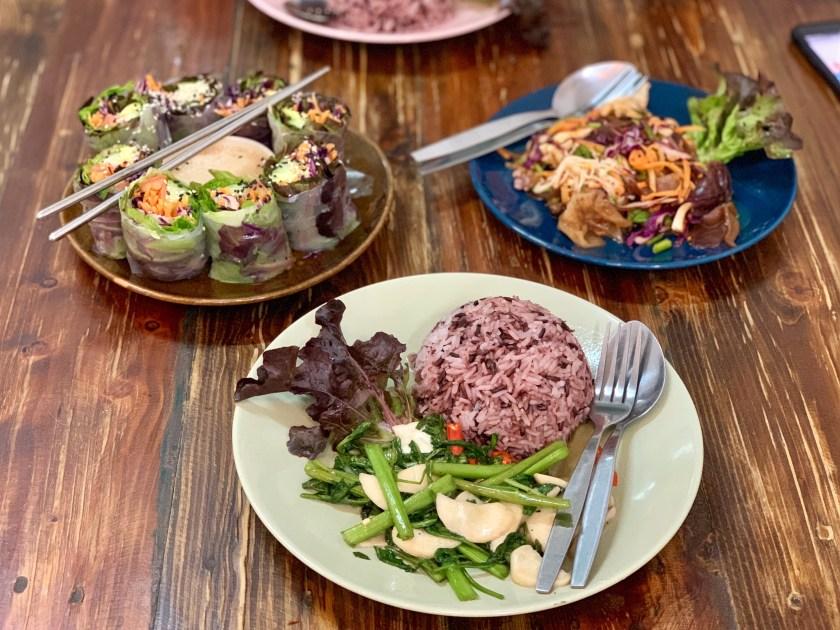 bee vegan, vegan thai food chiang mai, vegan food chiang mai