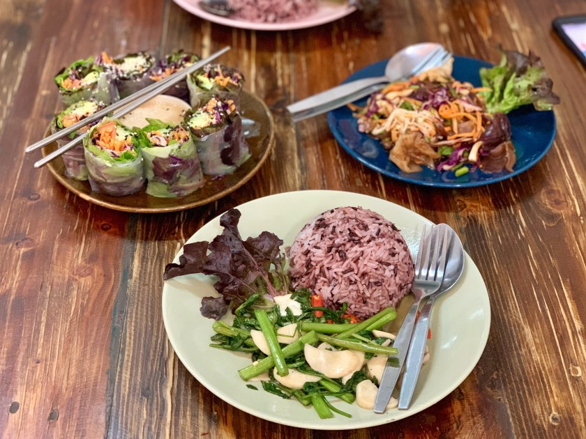 bee vegan, vegan thai food chiang mai, vegan food chiang mai