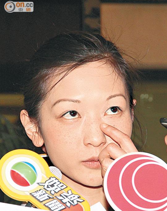 林保全設靈 女兒林芷筠哽咽 - 太陽報