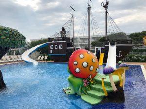 zafiro hotel pool for children