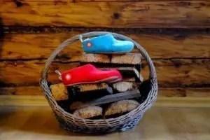Baabuk slippers on logs