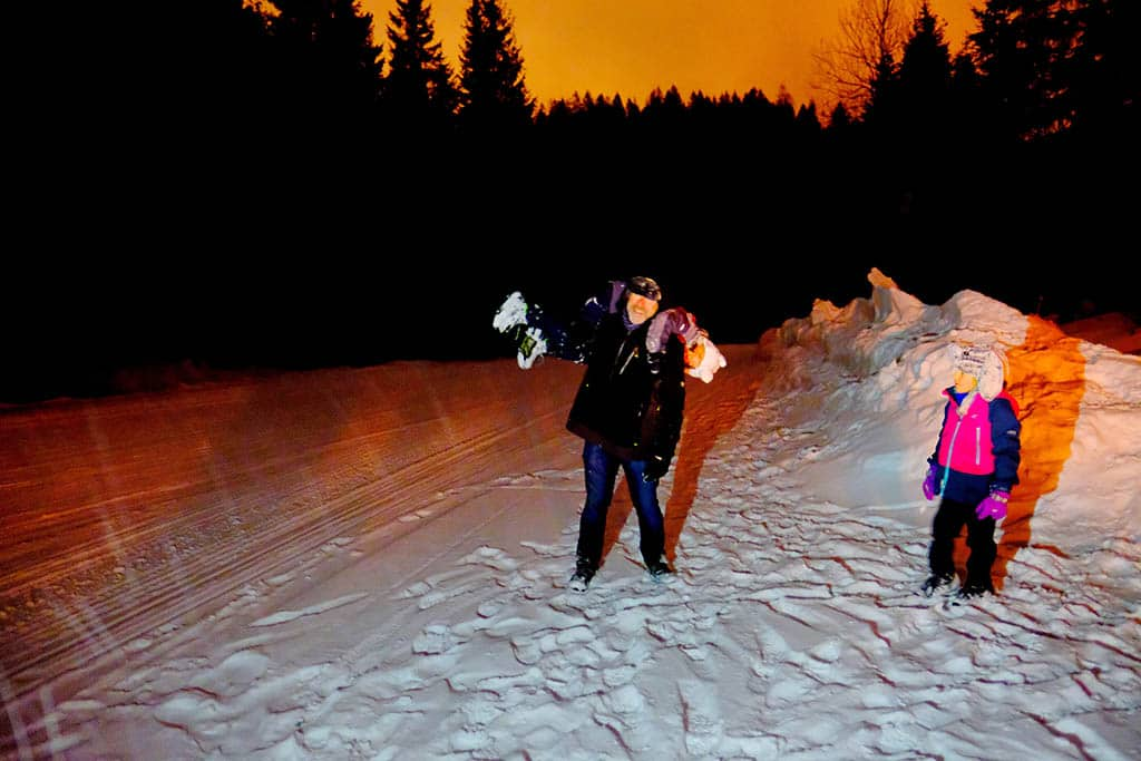 What to do in San Martino in the evening - play in the snow, get snowmobile ride