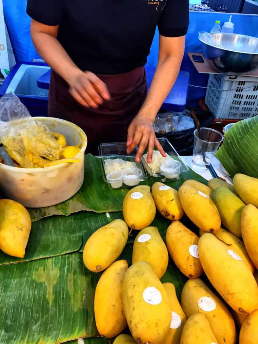 Mango sticky rice best food to try in Bangkok with kids