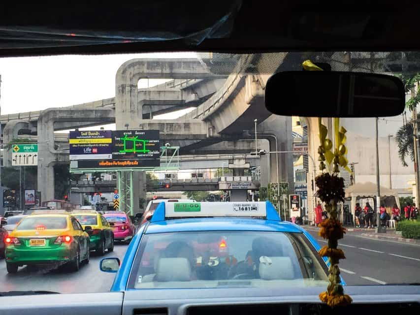 how to commute in Bangkok - taxi