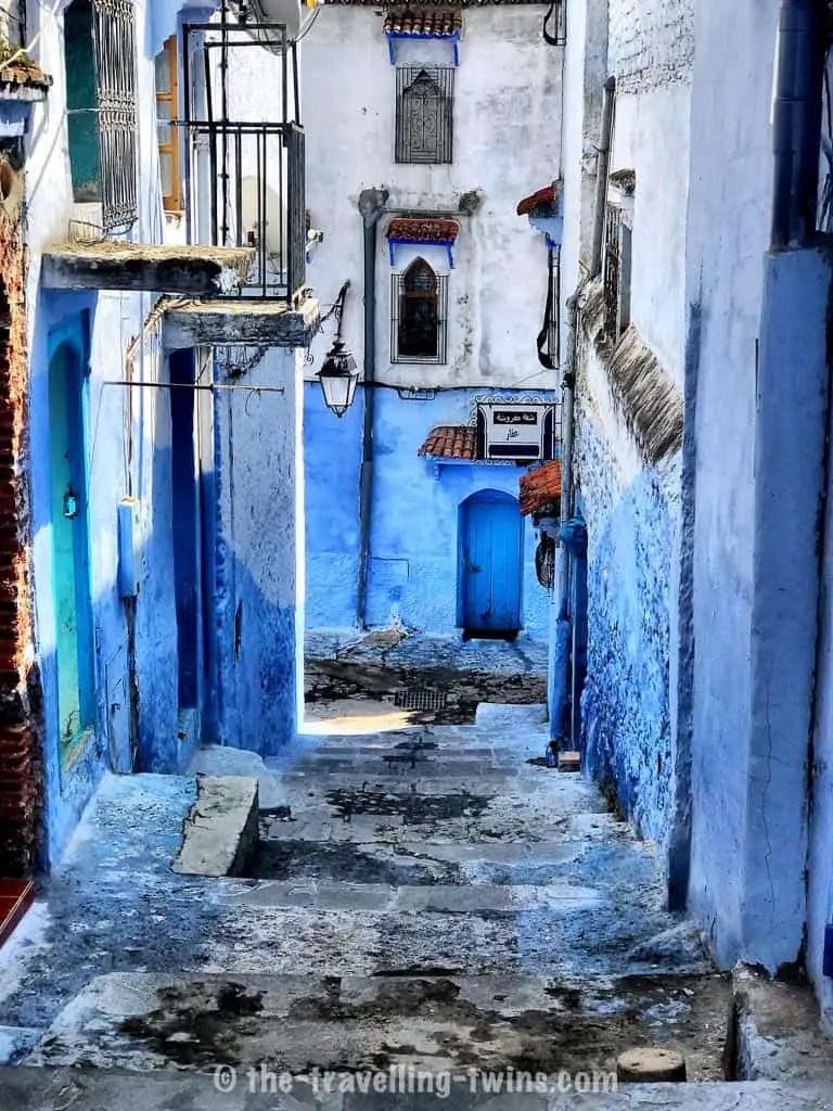 narrow street of Chefchaouen