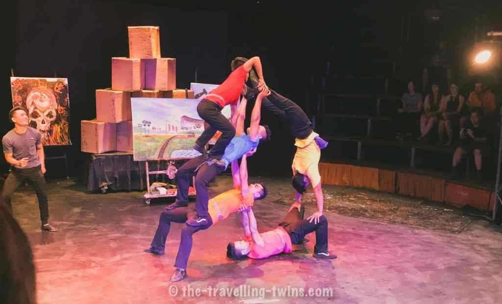 phare cambodia circus acrobatic  performance