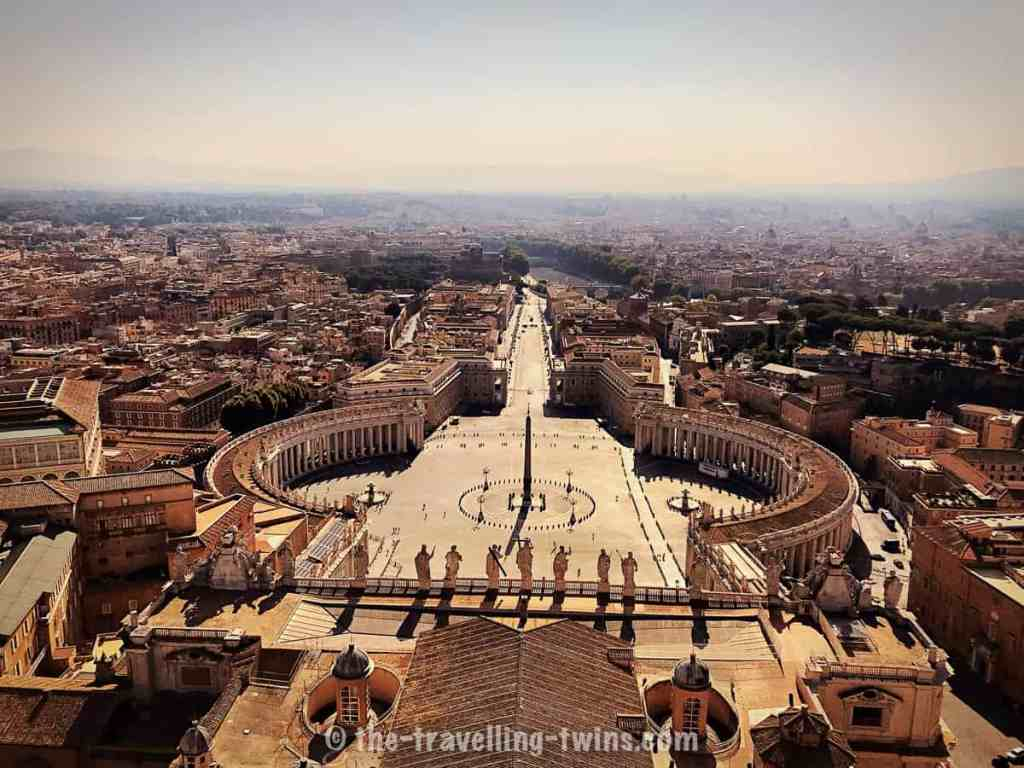 Facts about Rome - Facts about Vatican, St Peters's Basilica piazza