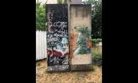 """<h5>Prenzlauer Allee</h5><p>Prenzlauer Allee 227 <strong>Kultur- und Bildungszentrum Sebastian Haffner</strong> © <a href=""""https://www.instagram.com/p/Bls6mthFkrm"""" target=""""_blank"""">berlin_on_the_walls/Instagram</a><br>Datum der Aufnahme: 2018                                                   </p>"""