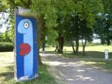 """<h5>Thanks Thierry</h5><p>© Mit freundlicher Genehmigung von <a href=""""galerie-noir.de"""" target=""""_blank"""">Thierry Noir</a></p>"""