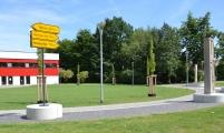 """<h5>Thanks Stadt Ahlen</h5><p>Wohin die Wege der Städtepartnerschaften führen, darüber diskutierten bei der Einweihung des Mauersegments fünf Stadtoberhäupter am """"Platz der Städtepartnerschaft"""" in Ahlen. © <a href=""""https://www.ahlen.de/start/"""" target=""""_blank"""" >Stadt Ahlen</a>  </p>"""