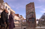"<h5>Thanks omroepzeeland.nl</h5><p>© Still aus <a href=""http://www.omroepzeeland.nl/nieuws/2014-11-09/764561/stuk-berlijnse-muur-zierikzee"" target=""_blank"">TV Clip</a> </p>"