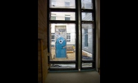 """<h5>Pariser Platz</h5><p>Pariser Platz 3 <strong>US Botschaft</strong> © <a href=""""http://galerie-noir.de"""" target=""""_blank"""" >Thierry Noir</a> <br>Datum der Aufnahme: unbekannt                                                                                                                                                                                                                                                                                                                                                                                                                                                                           </p>"""