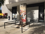 """<h5>Die Berliner Mauer in Miami, Florida</h5><p>Details u. Copyright:  <a href=""""http://the-wall-net.org/?p=2587"""" >Miami, FL</a> / Mehr <a href=""""http://the-wall-net.org/category/the-berlin-wall/us/"""" >Standorte USA</a></p>"""