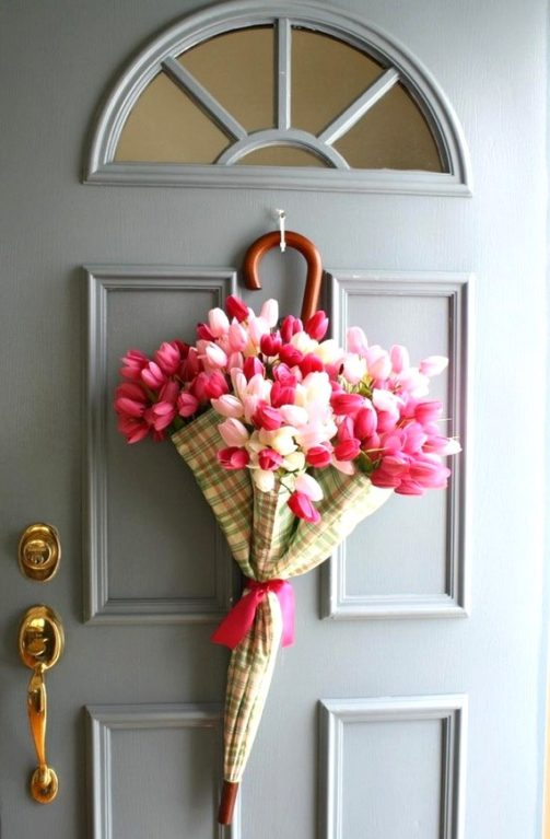 14 Frugal Easter Decorating Ideas to DIY     The Wardrobe Stylist Easter Porch Decor Ideas  Easter wreath ideas  Easter decoration ideas   Easter DIY decor