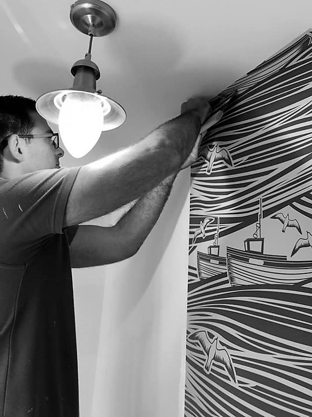 James wallpapering