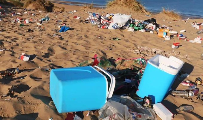 Yorkshire's Beauty Spots Spoiled By Litter After This Weekend's Heatwave