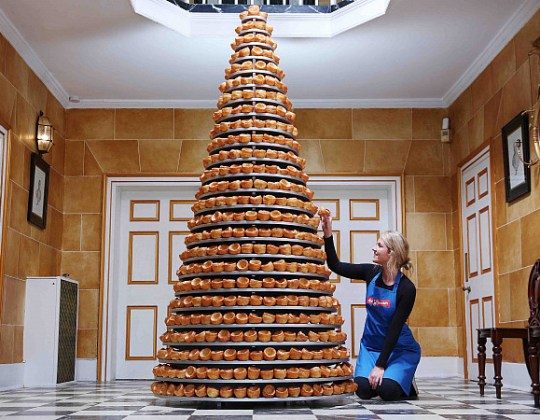 Aunt Bessie's Creates 25-Tier Yorkshire Pudding Cake – And It's So Yorkshire