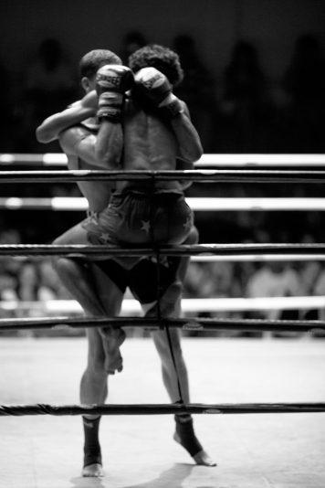 A close Muay Thai match.
