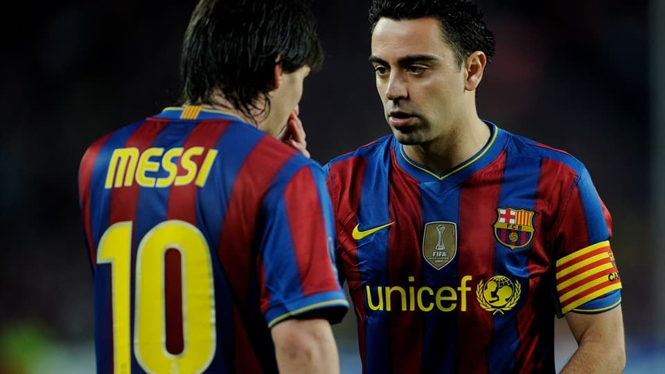 Barcelona targeting a crossover of Xavi and Deco
