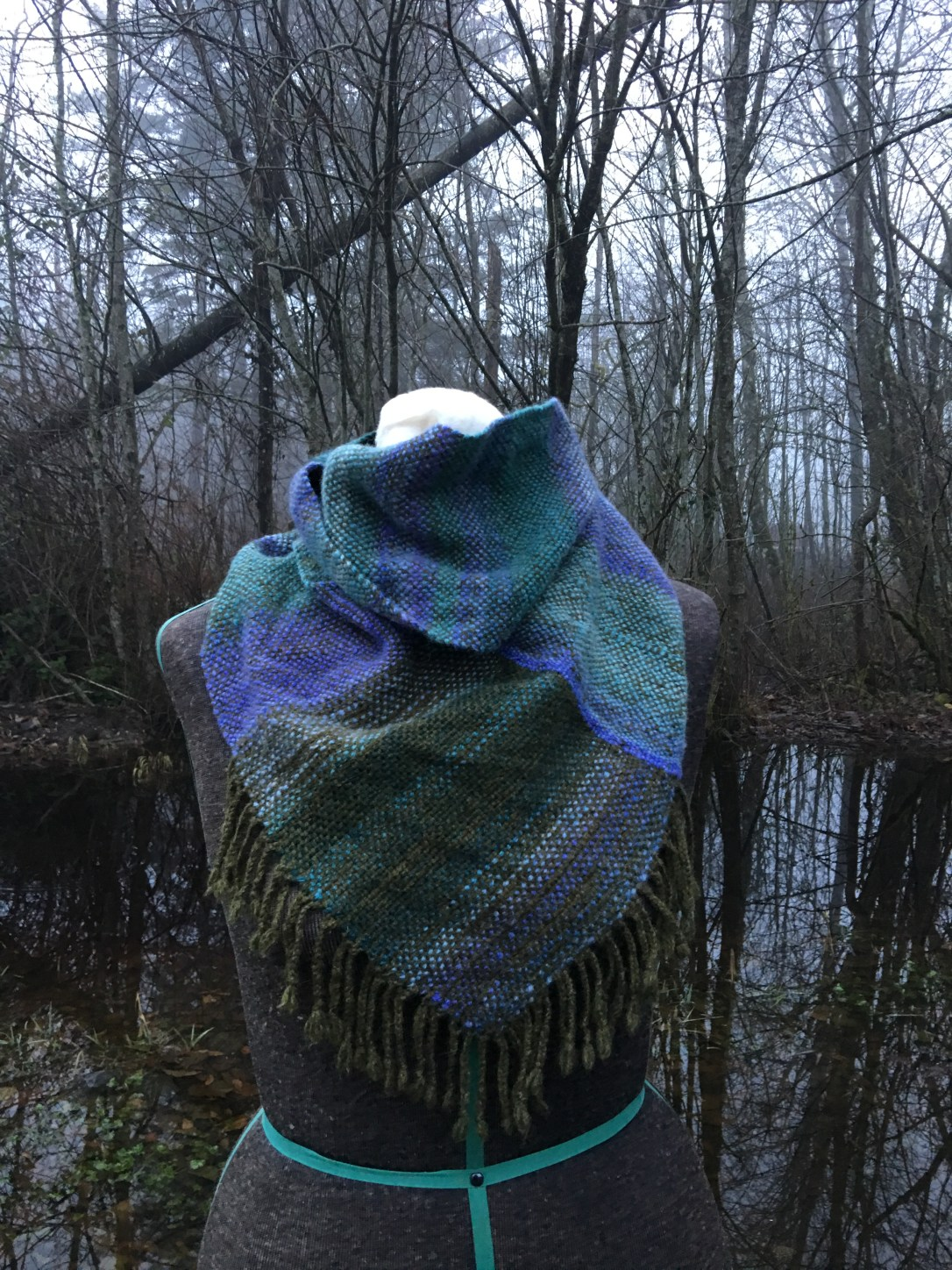 blue green mobius cowl