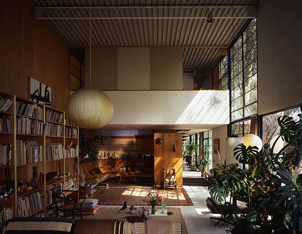 Inside The Eames House OEN