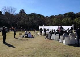 浜松城を背景に近所のホテルの結婚式