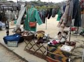 珍しいインドの生地等を使って仕立てた衣料等々、静岡市からの出店