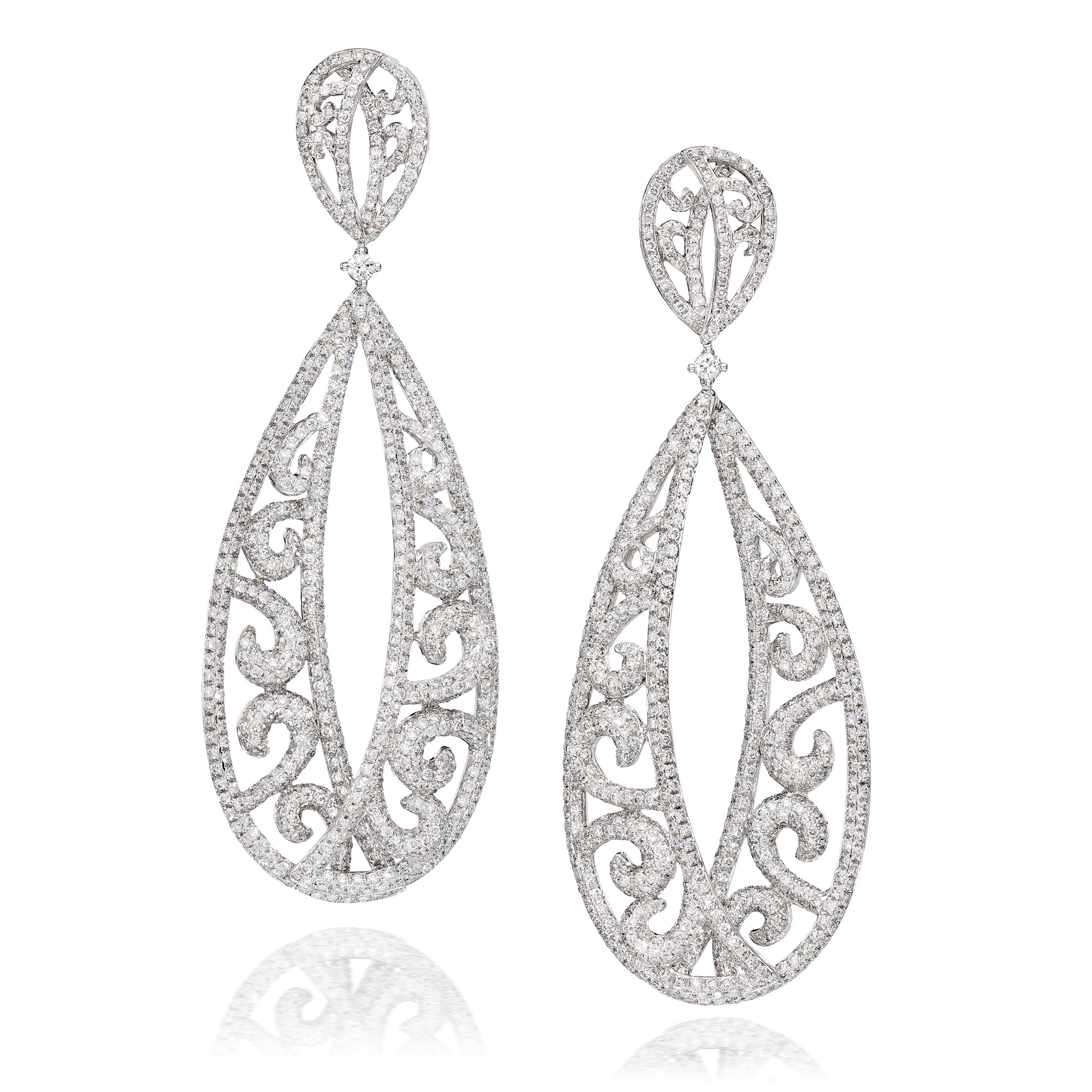Jennifer Lopez presents her third collection of jewelry