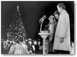 First Daughter Amy Carter pushes the button for the National Christmas Tree lighting ceremony in 1979