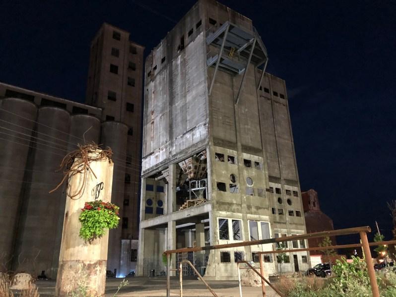 Grain Elevators and Silos
