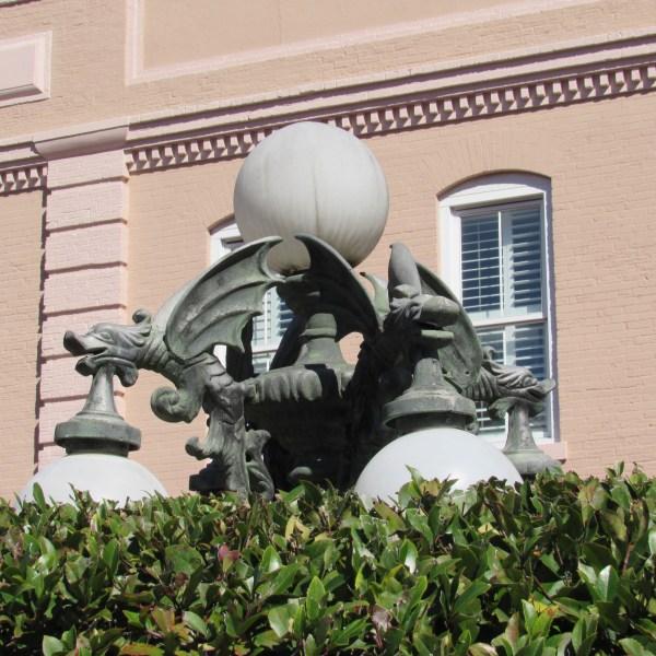 Savannah lamppost