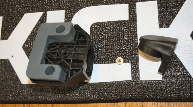 Wahoo Kickr Axis Review   Kickr Floor Mat