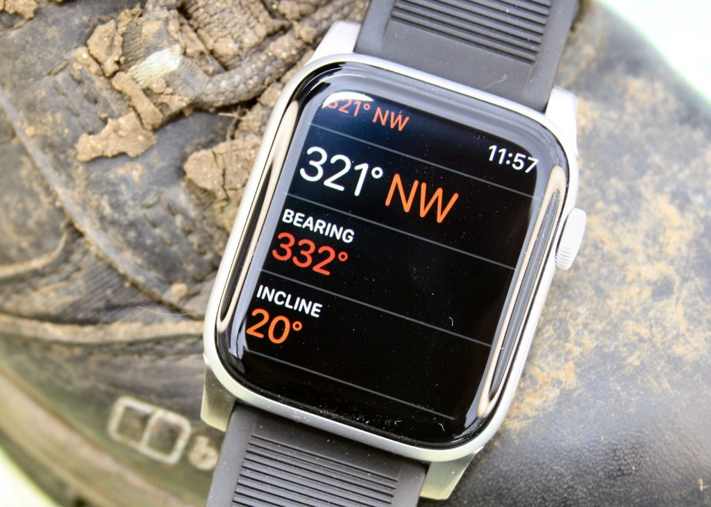 Apple Watch 6 SE 3 Compass Altimeter Barometer Routes best outdoor rugged Strap weather complication