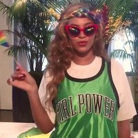 Dissing Beyoncé on the internet? Mama taught us better than that!