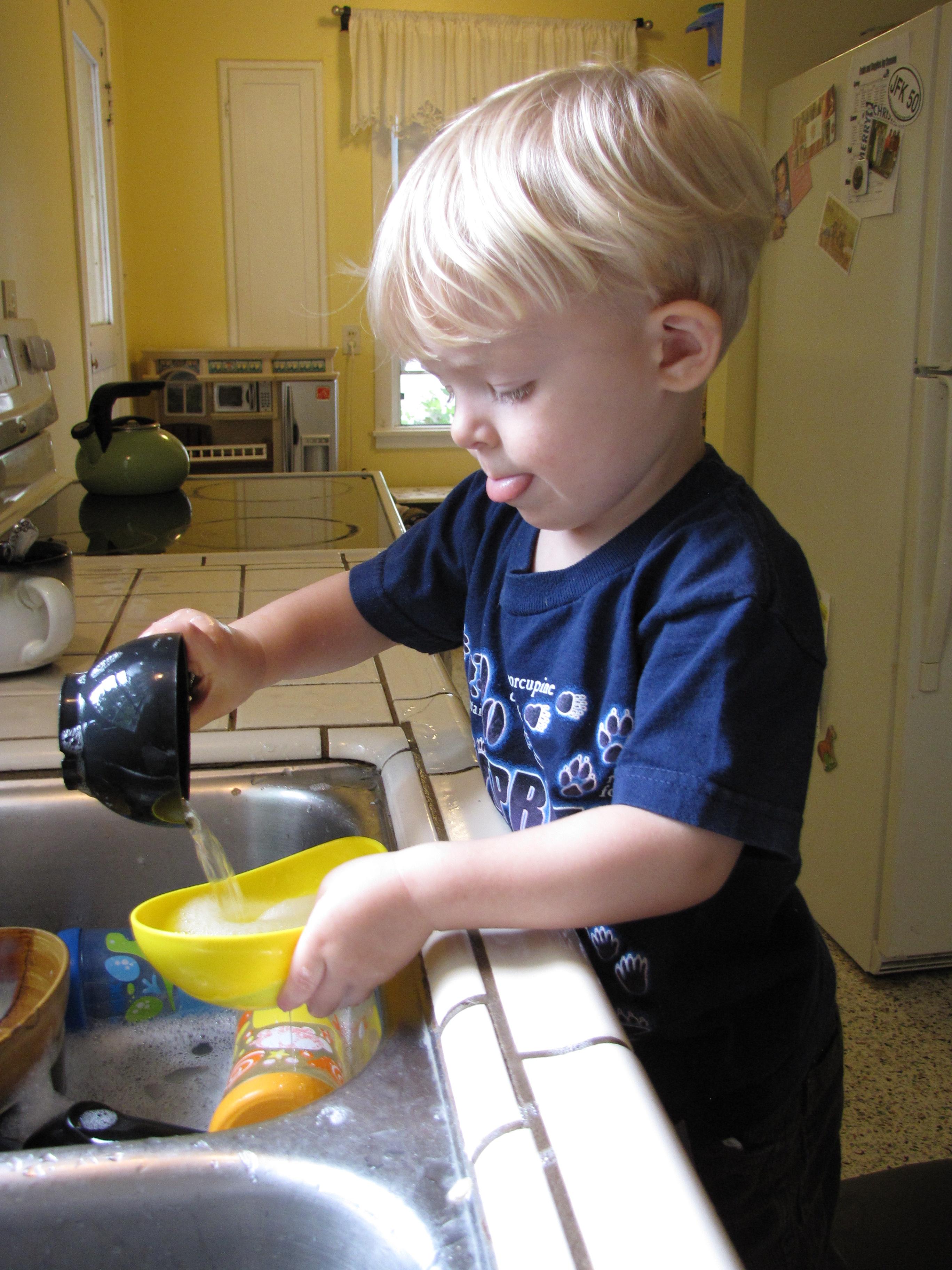Toddler Tuesday Washing Dishes