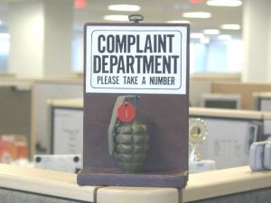 Online worker complaints have to be handled carefully by CIOs