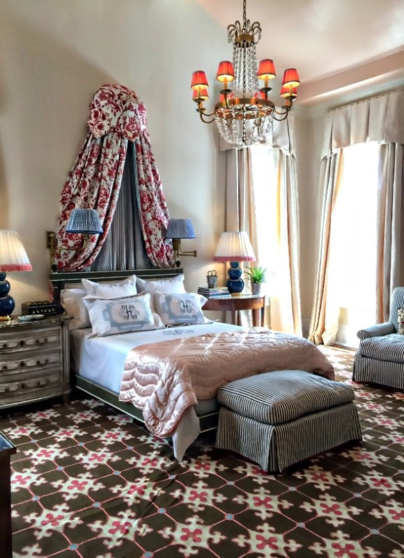 From the Southern Style Showhouse in New Orleans 2016. Designer/ Ware M. Porter-Photo/ Vicki Gladle Bolick #canopybed #newtraditionaldesign #southerndesign