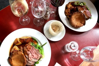 sunday roast at the chelsea pig
