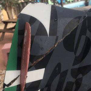 Island-Life-Challenges-Broken-Kiteboard