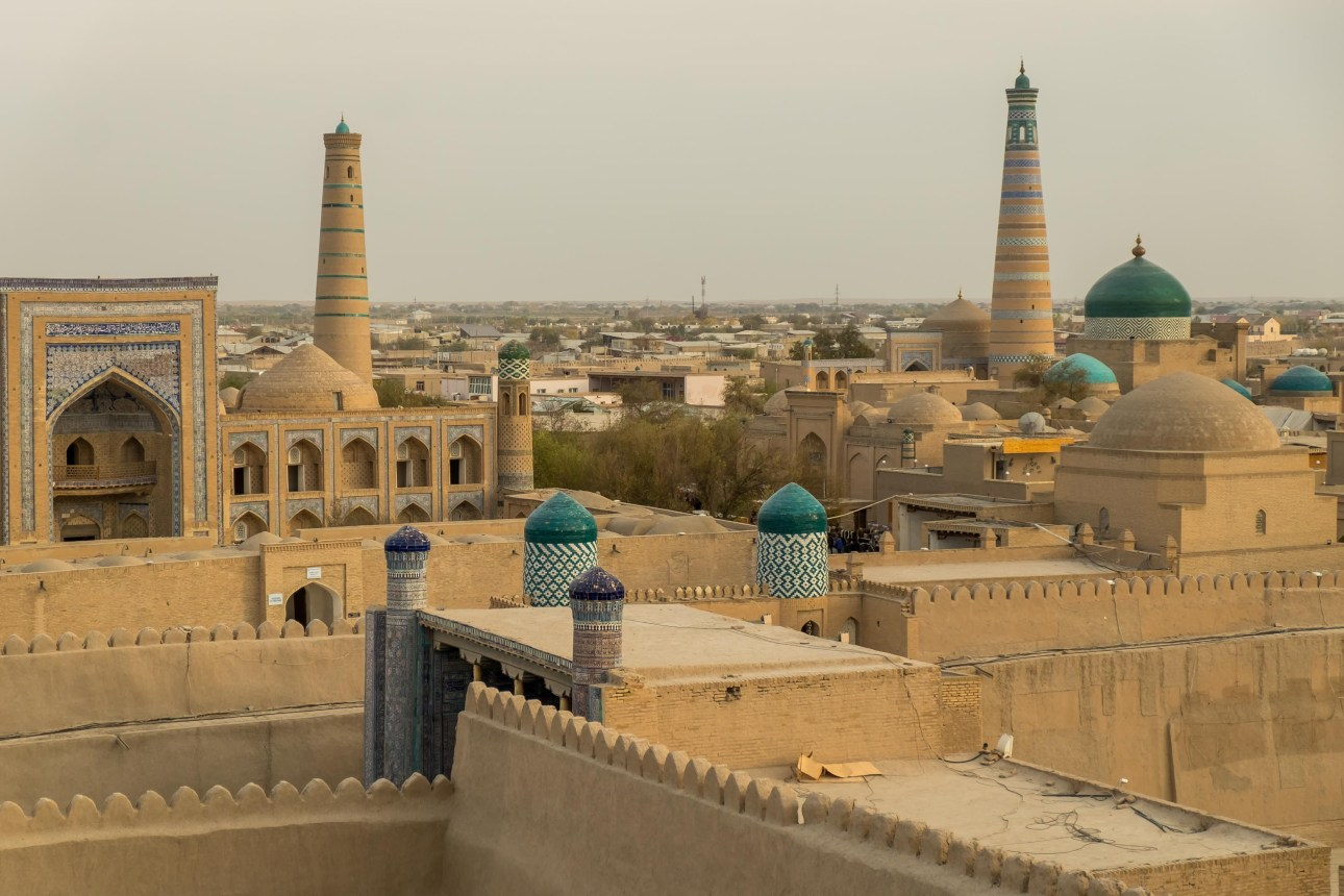 These are not just the top 10 unesco world heritages sited but also the best historical places in the world. #khiva #theoldcityofjeddah #thegraetwallofchina #oldtownofrhodes